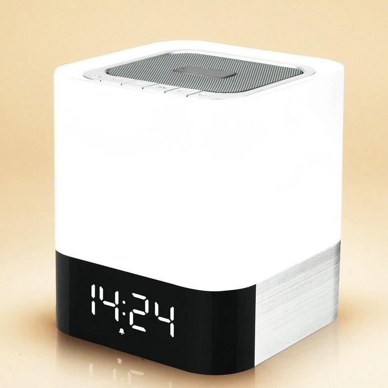Prix pour Portable 4 En 1 Sans Fil Bluetooth Haut-Parleur Avec Capteur Tactile Led lampe Lumière Réveil TF Carte AUX Lecteur MP3 Appel Mains Libres