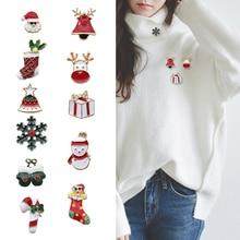 Fashion Christmas Shoes Hat Gloves Santa Claus Stars Deer Snowman Snowflake Brooch Cartoon Xmas Golden Enamel Brooches Pin