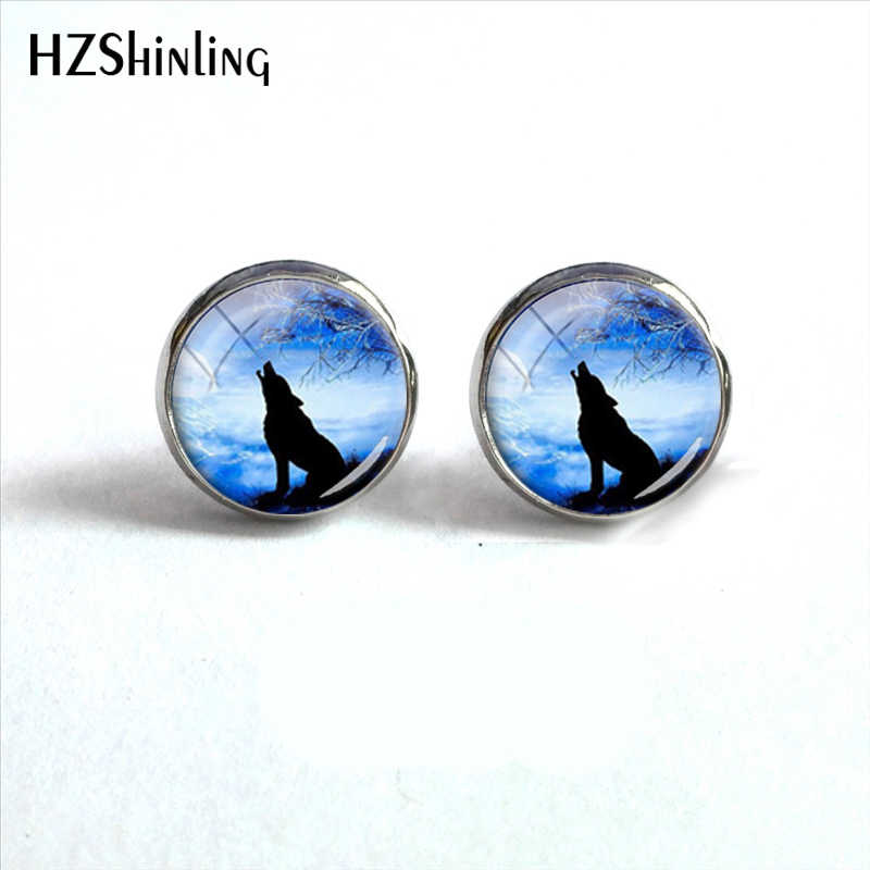New Hot Selling Full Moon Wolf Glass Stud Earring Glass Cabachon Art Photo Fashion Jewelry Earrings Accessory Gift for Women