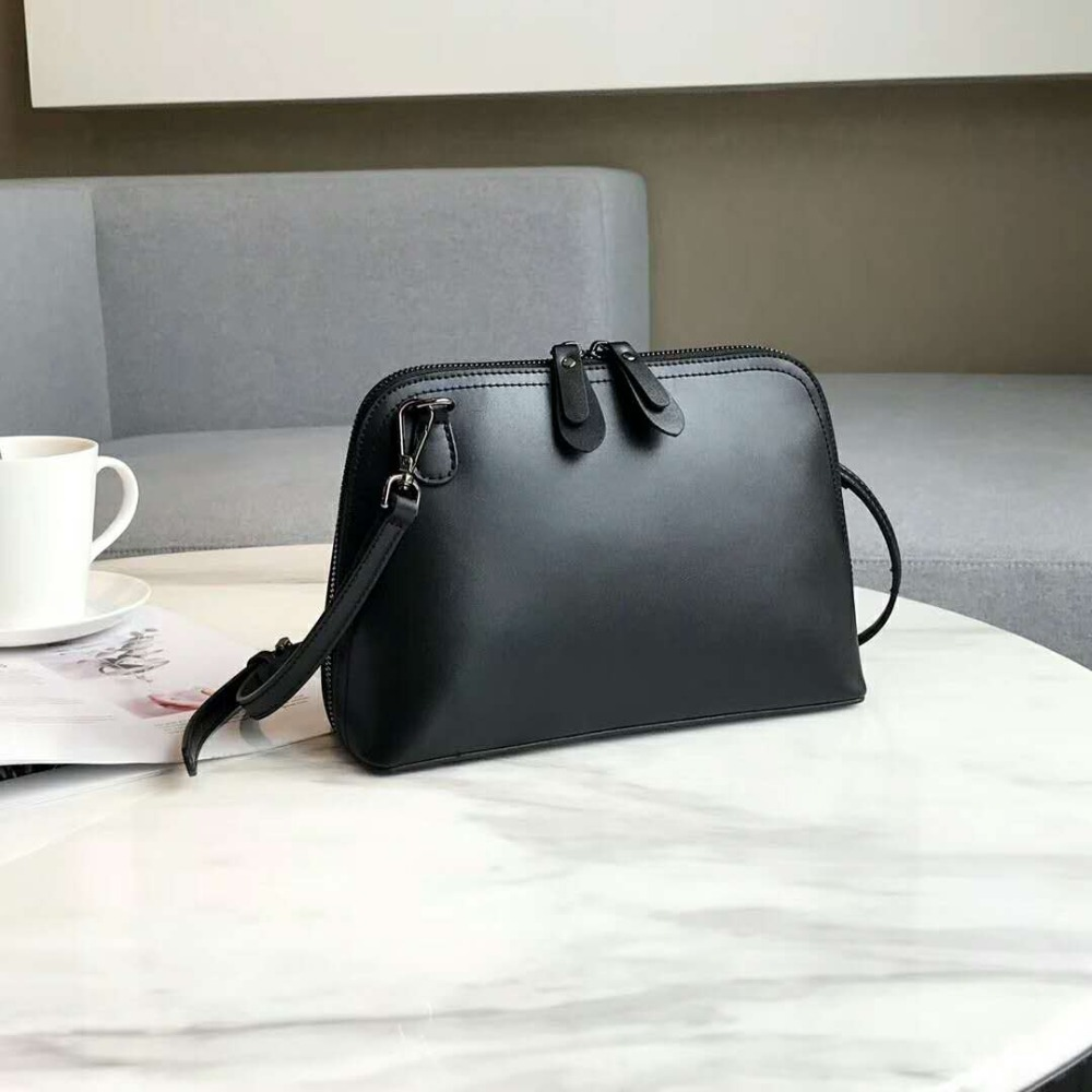 468d4bbe5da0 2019 brand women s fashion designer handbag high quality leather bag best  selling star Messenger bag handbag mini bag-in Top-Handle Bags from Luggage    Bags ...