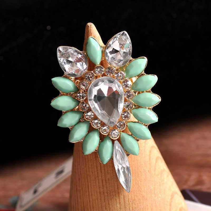 Fashion bunga emas cincin. batu semi mulia dan kristal Mosaik hijau. baru Eropa dan Amerika populer aksesoris SET