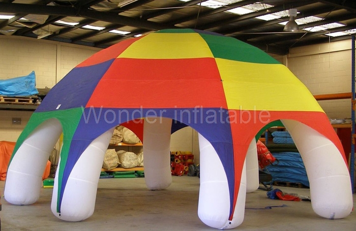 Vroče prodajajo 8m zunanji airblow mavrični barvi velikanski napihljivi šotor velik zunanji napihljivi travnik šotor za dogodek
