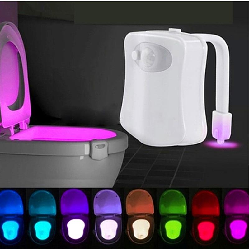Capteur de lumière de nuit intelligent lampe de toilette 8 couleurs rétro-éclairage activé cuvette de toilette LED lampe Luminaria veilleuse PIR lampe de veilleuse