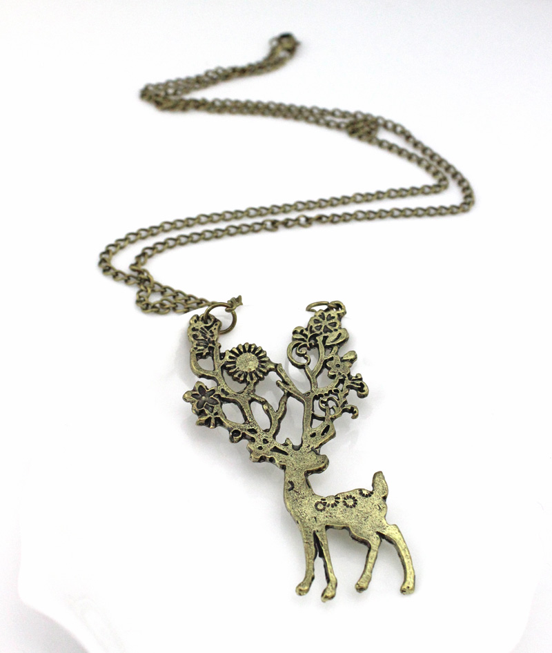 Retro Bronze Flower Lucky Christmas Sika Deer Pendant Necklace Sweater Long Chain Necklaces Jewelry