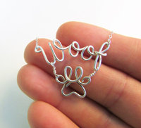 PINJEAS Dog Lover Necklace Woof & Paw Print Any Custom Name Wire Wrapped Sterling Refinement handmade Gift Jewelry collier