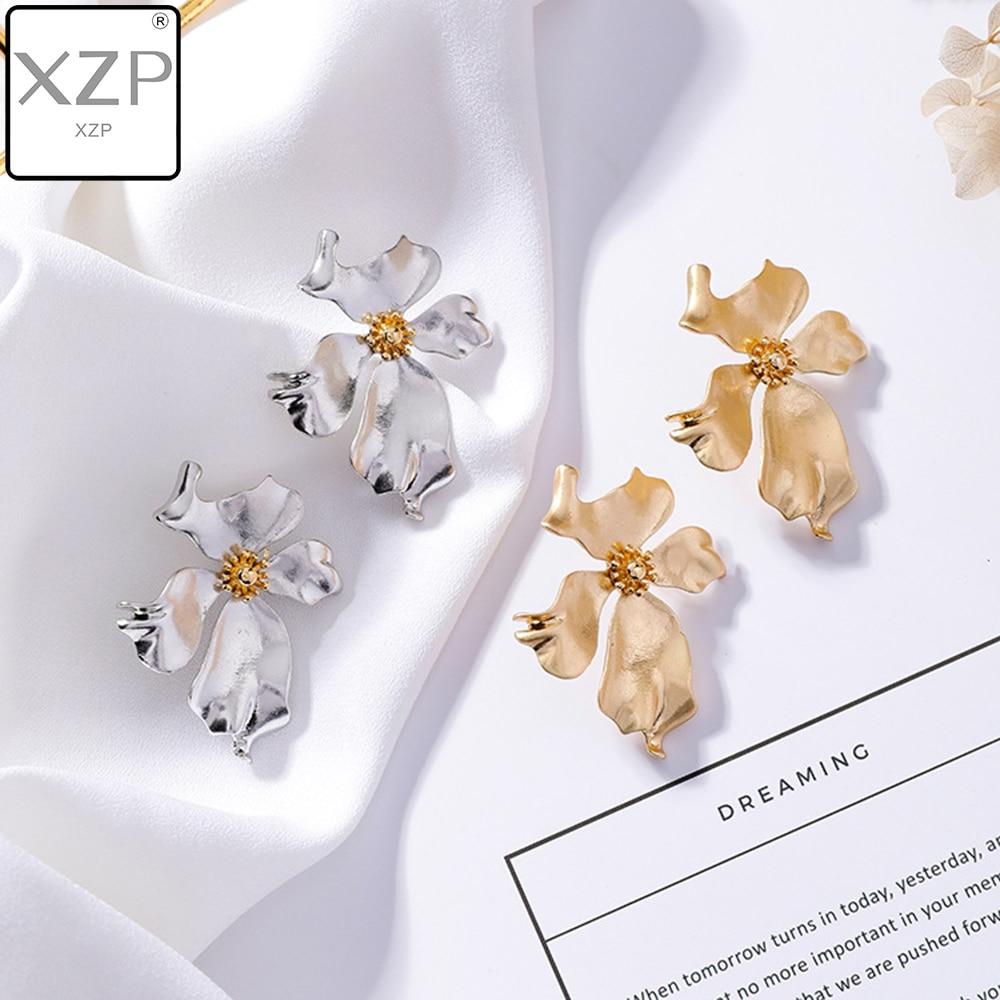XZP New Design Sweet Jewelry Spray Paint Effect Drop Earrings Flower Pendant Earrings Statement Earring for Girls Gift for Woman in Drop Earrings from Jewelry Accessories