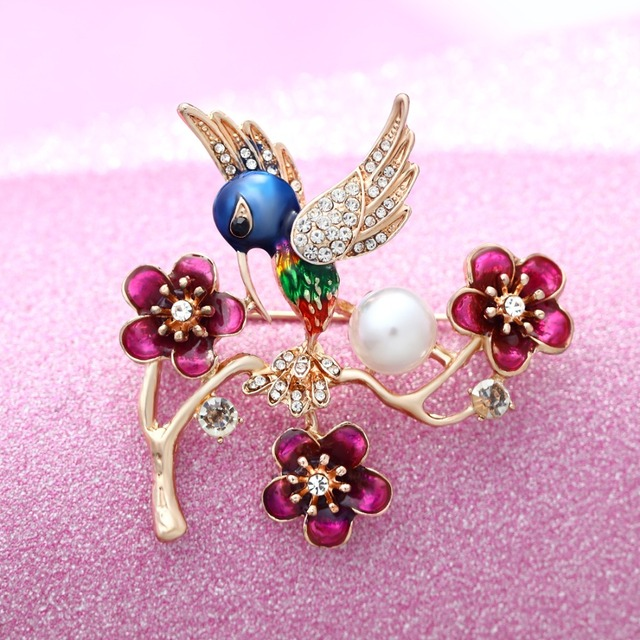27e417bdf70 Vintage Simulated Pearl Crystal Cat Frog Bee Moon dragonfly butterfly Pin  Brooch Antique Pin Women Brooch