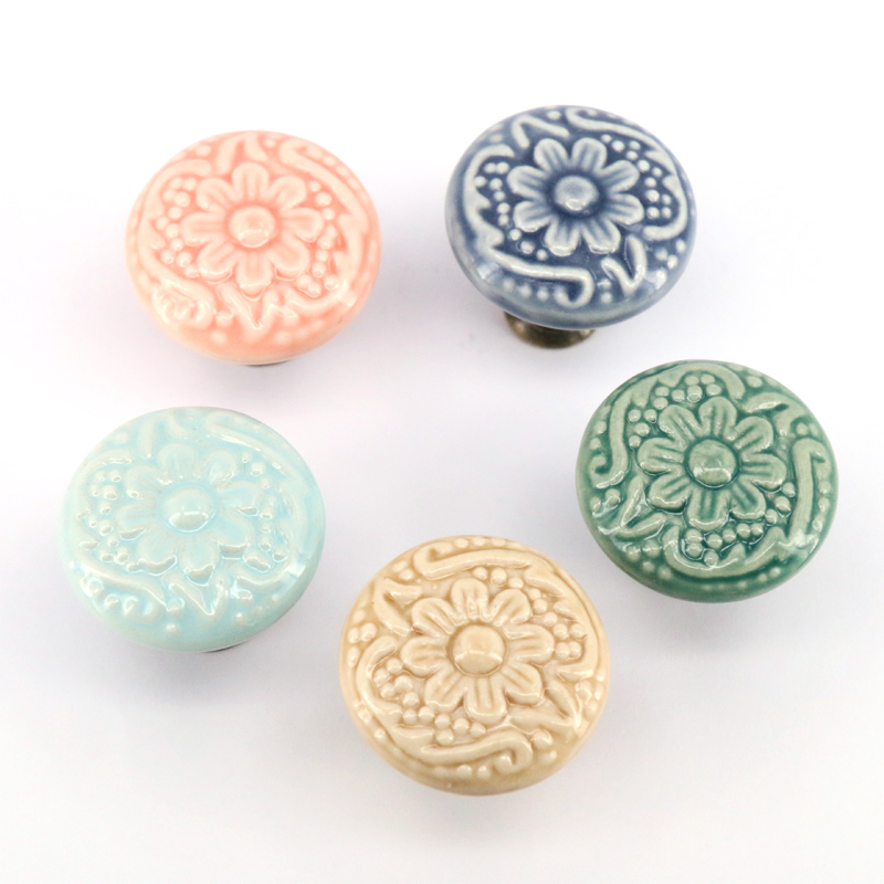 Dia 33mm Retro Vintage Round Ceramic Drawer Knob Handle Cabinet Cupboard Door Pull kid room Decor blossom Relief Handle Knobs dia 33mm ranbow candy colors ceramic round cupboard cabinet door pull handle kid s room wardrobe drawer knob