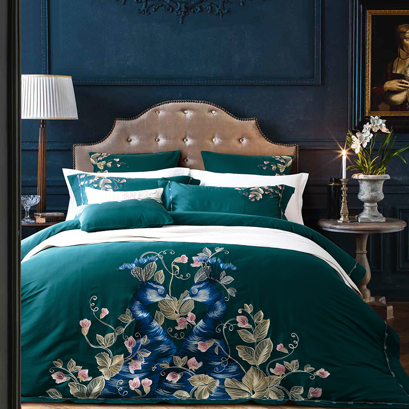 100% Cotton Percale bed linen 60S sateen duvet cover set 4/6pcs dark green bedding peacock embroidery quilt covers shams king(China)