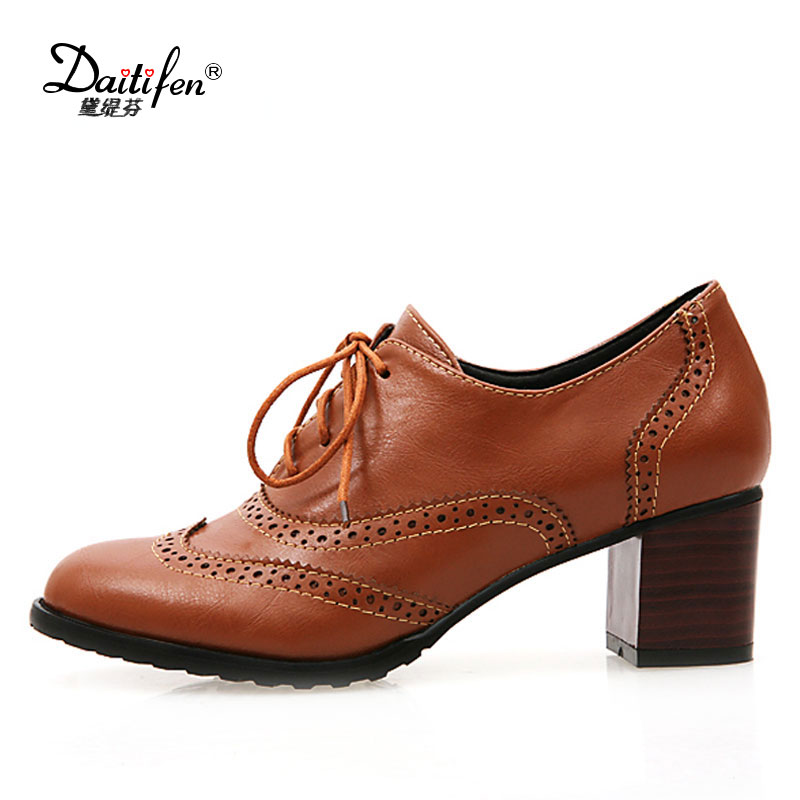 Daitifen Round Toe Lace Up Women low heel Oxford Shoes Size 34-43 Shoes Woman Vintage Carved Shoes For Ladies spring shoes цена