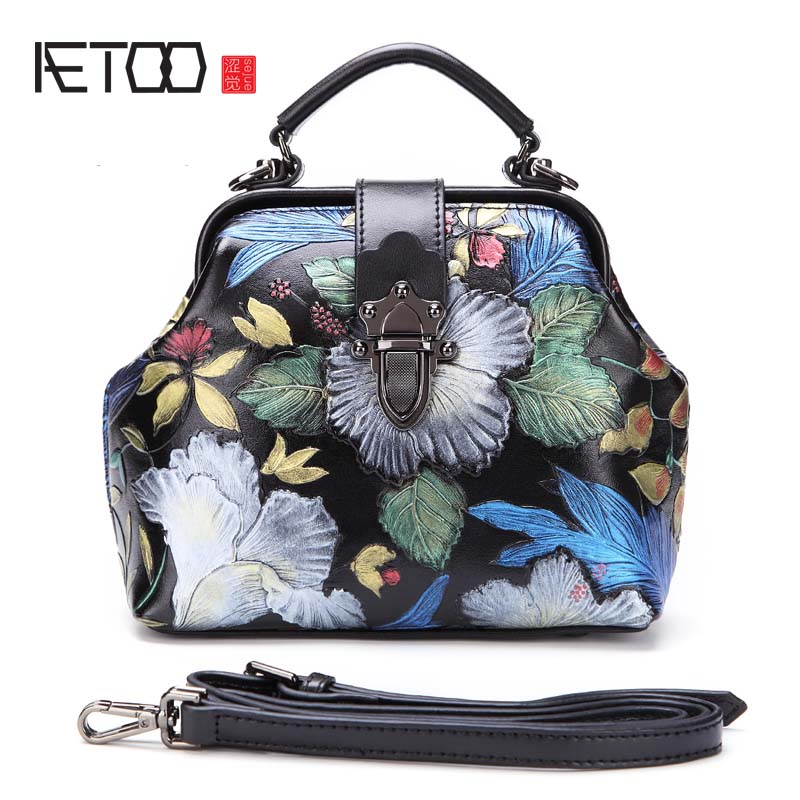 AETOO 2017 new ladies handbag split leather shoulder bag retro handmade embossed package Chinese style messenger bag aetoo the new national style classical leather handbags ladies retro fashion handbag shoulder messenger bag