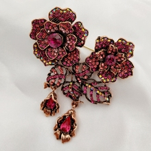 Luxury Vintage AB Accent Red Crystal Double Flower Brooches with Drops Micro Pave Designer Leaf Two Floral Pins Women Accessory fabulous short tassel drops double yellow bird brooches silver tone micro pave cz green eyes two love birds pins for girlfriend