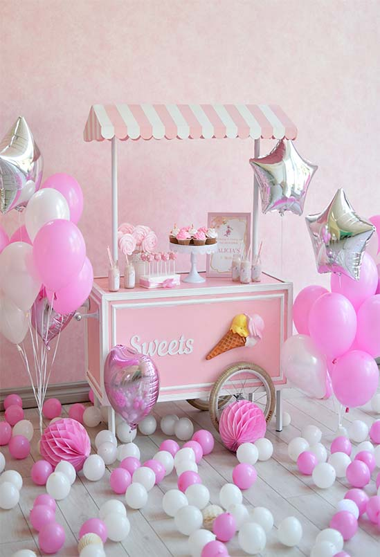 Modern pink, black & white party ideas   100 Layer Cake  Pink And White Birthday Party