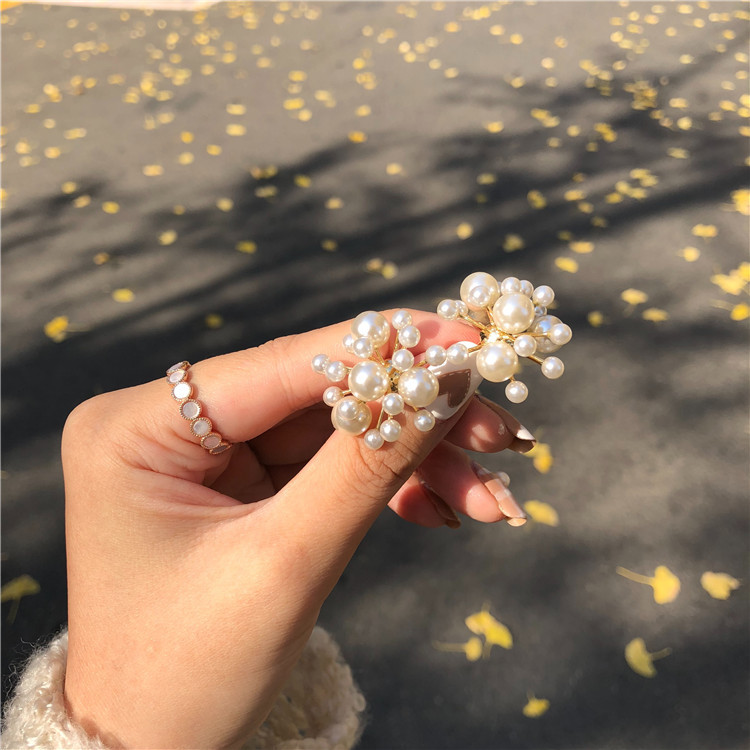 2019 Korean New Fireworks Design Simulated Pearl Flower Big Stud Earrings For Women Bride Wedding Jewelry Oorbellen E2494