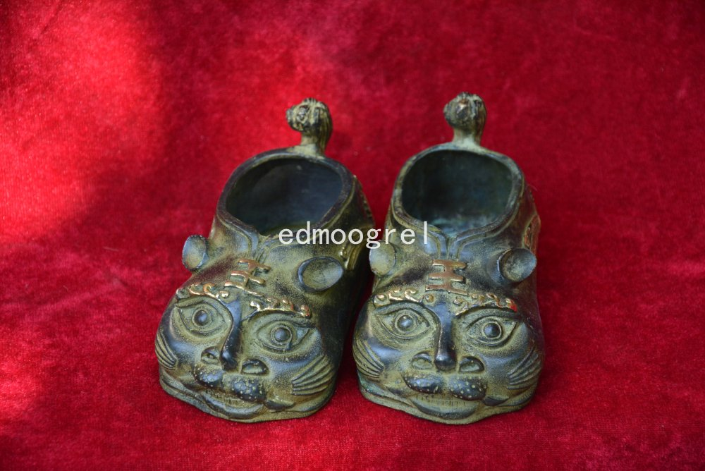 Rare Qing Dynast bronze Shoes Statue/ Sculpture,Tiger,A Pair,free shippingRare Qing Dynast bronze Shoes Statue/ Sculpture,Tiger,A Pair,free shipping