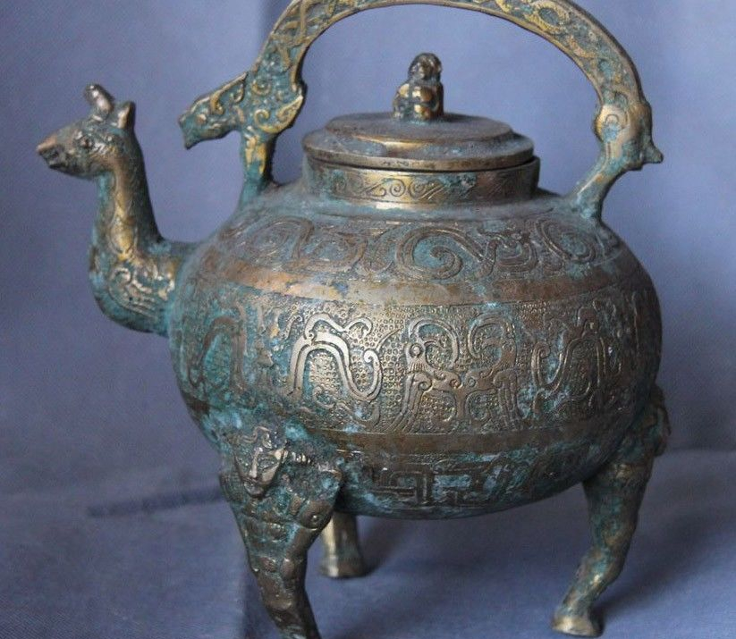 Chinese Dynasty Folk Copper Bronze Silver-Gilt Lucky Wild animal Wine Pot Teapot