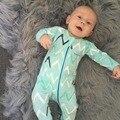 Мальчик волна печать чистый Хлопок с длинным рукавом Комбинезон с Застежкой-Молнией младенческой Комбинезон пижамы цельный костюм бутик одежды