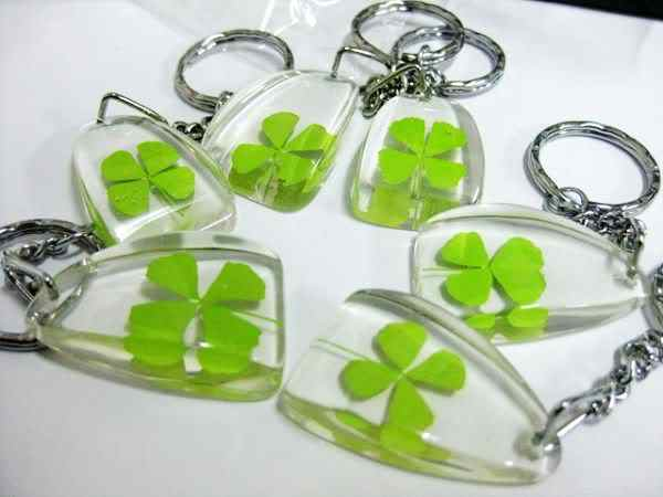 Livraison gratuite 20 pièces porte-clés véritable trèfle triangle lucide forme porte-clés trèfle à quatre feuilles