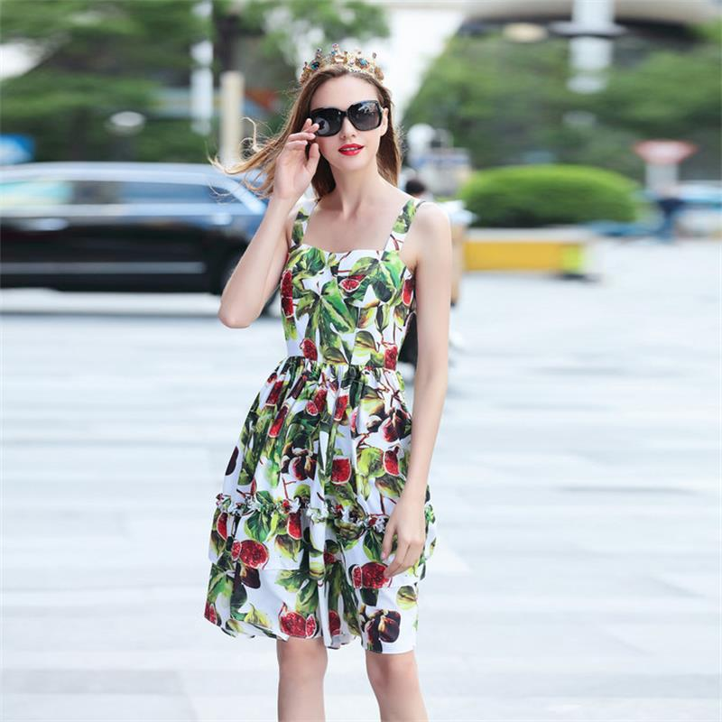 النساء فساتين 2018 عالية الجودة الصيف المدرج عارية الذراعين الأزهار المطبوعة السباغيتي حزام أنيقة سيدة اللباس NPD0833N-في فساتين من ملابس نسائية على  مجموعة 1