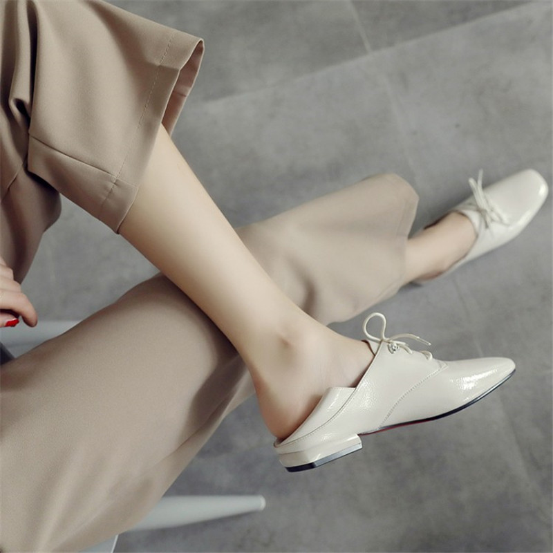 Leder Für Wohnungen Mode Müßiggänger Schuhe Oxford black Beige Patent Lace Neue Up Frauen Mokassins Herbst Kommen BIv5v