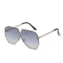 1f71fa45ab Moda V de gafas de sol hombres mujeres espejo conducción gafas de lujo 2018  marca Cool marco de Metal UV400 gafas de sol