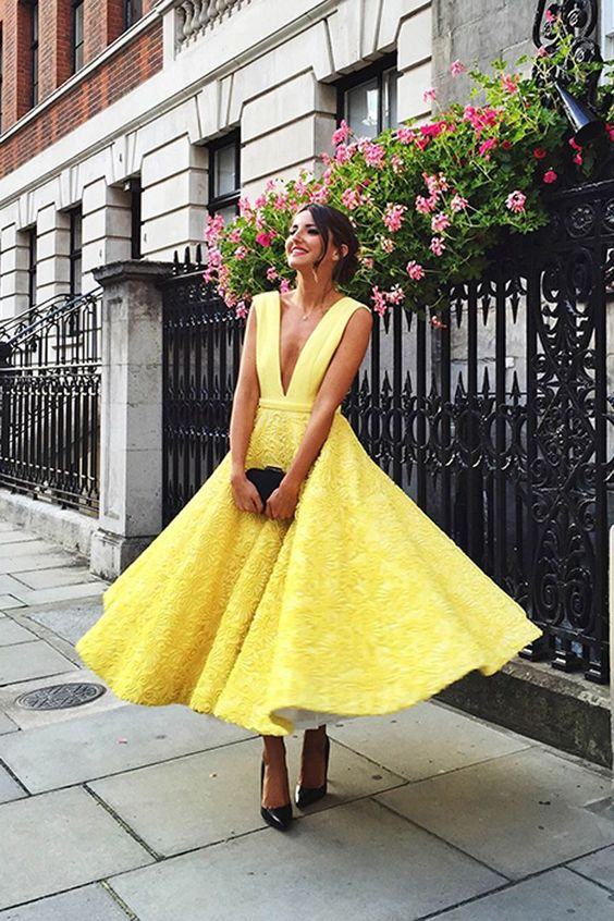 New Fashion Yellow Deep V Neck A Line Short Evening dresses Sleeveless Formal Evening Gowns Dress