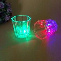 7 Renk LED Lamba Plastik Şeffaf Bardak Bar Club Şarap Cam Renkli Yanıp Sönen Sekizgen Scotch Aydınlık Bardak