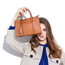Fashion 2017 Women's fashion genuine leather Handbag first layer of Cowhide Handbag women's classic bag shoulder bag  стоимость
