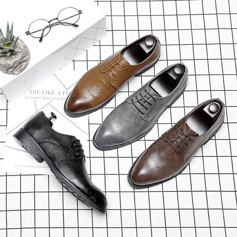2019 modèles d'explosion pointus chaussures pour hommes extra grande taille angleterre chaussures habillées 45 46 chaussures pour hommes hommes chaussures habillées