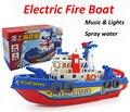 Juguetes del bebé aerosol de agua fireboat eléctrica con luz y sonido funciton de baño juguetes para niños de regalo