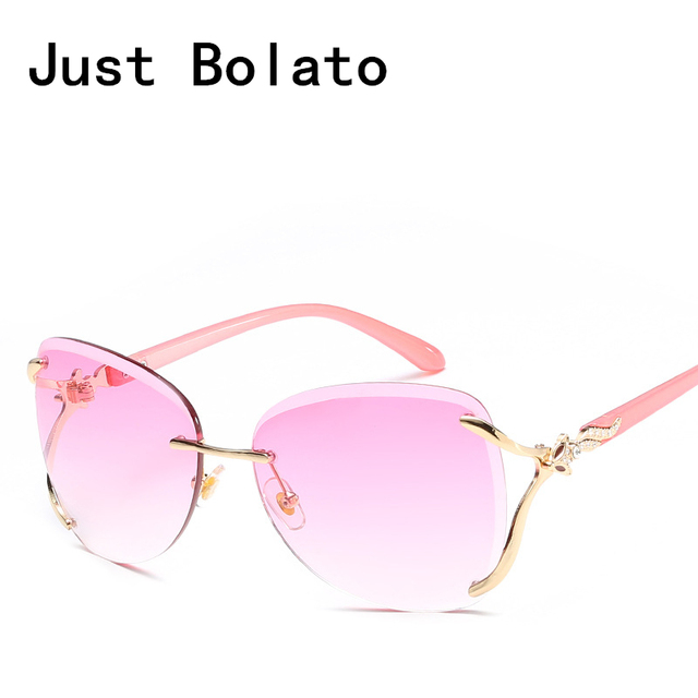 01197562739ce9 New Luxury Cat Eye Women Sunglasses Brand Vintage Sun glasses Women  Sunglasses Clear Lens Metal Frame Fox With Crystal