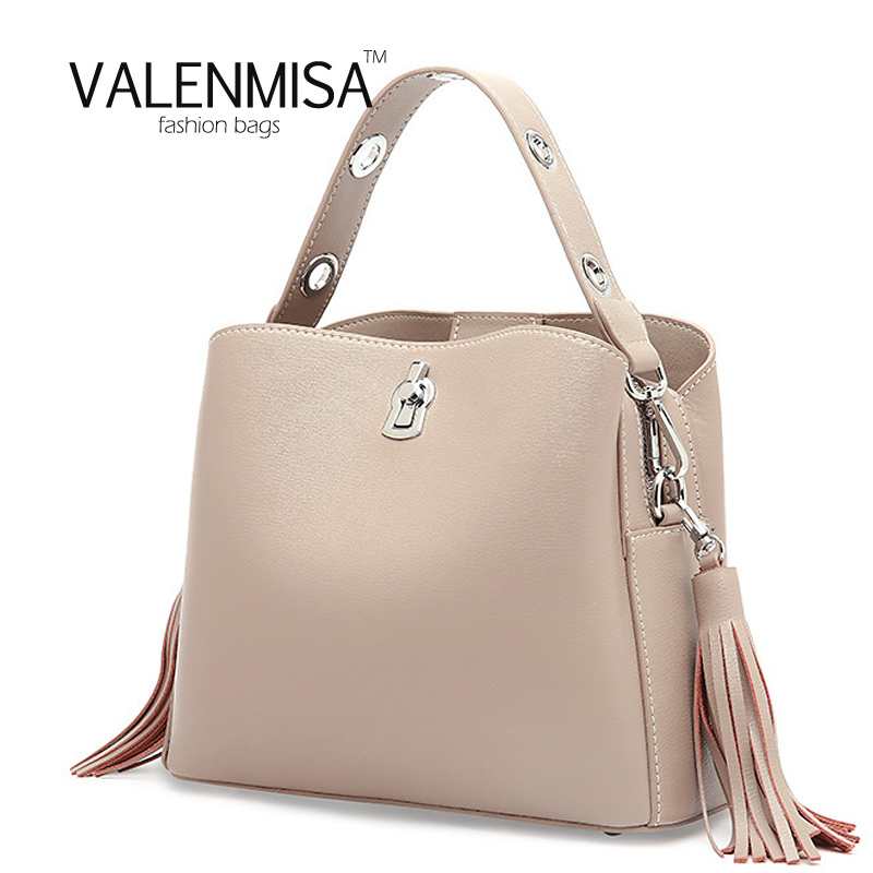 Fashion Genuine Leather Bucket Shoulder Bags 2018 Luxury Handbags Women Bags Designer Tassel Crossbody Bags With Wide Strap 2017 new female genuine leather handbags first layer of cowhide fashion simple women shoulder messenger bags bucket bags