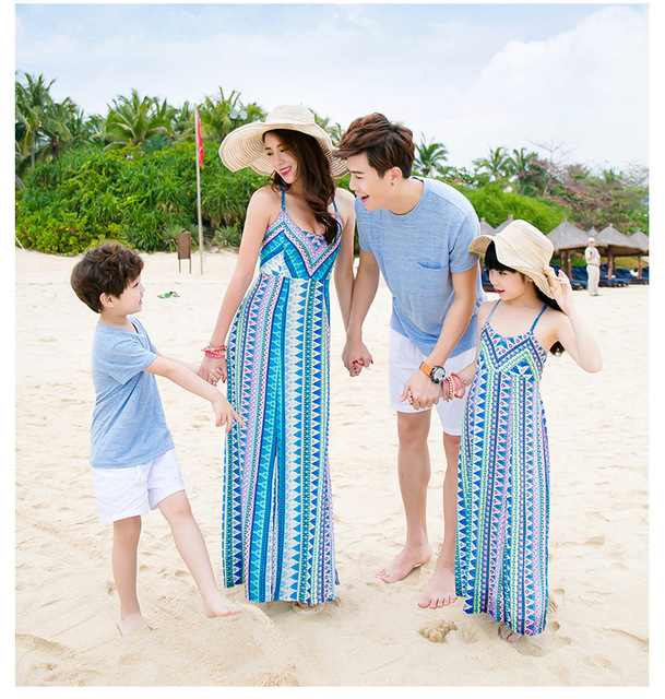 Family Look 2018 Summer Family Matching Outfits Bohemia Mother Daughter Dresses Resort Beach Dress  Dad Son Short Sleeve T-Shirt