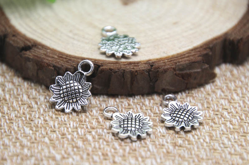 Daisy 18x15mm 25pcs Antique Tibetan Silver Daisy flower Charms Pendants