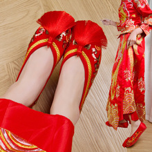 2018 fashion Chinese womans red wedding bride single shoes flat embroidered Vulcanize tassel Yasilaiya
