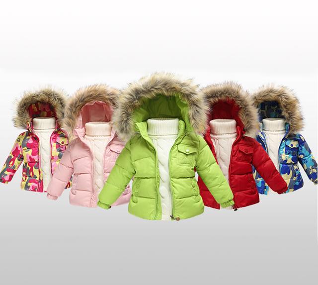 2016 nuevo Invierno Chaqueta de Los Niños Muchachas de Los Muchachos caliente Abajo Cubre niños ropa de Abrigo Abrigos Raya Ropa Para Bebé Muchachas de Los Muchachos caliente ropa