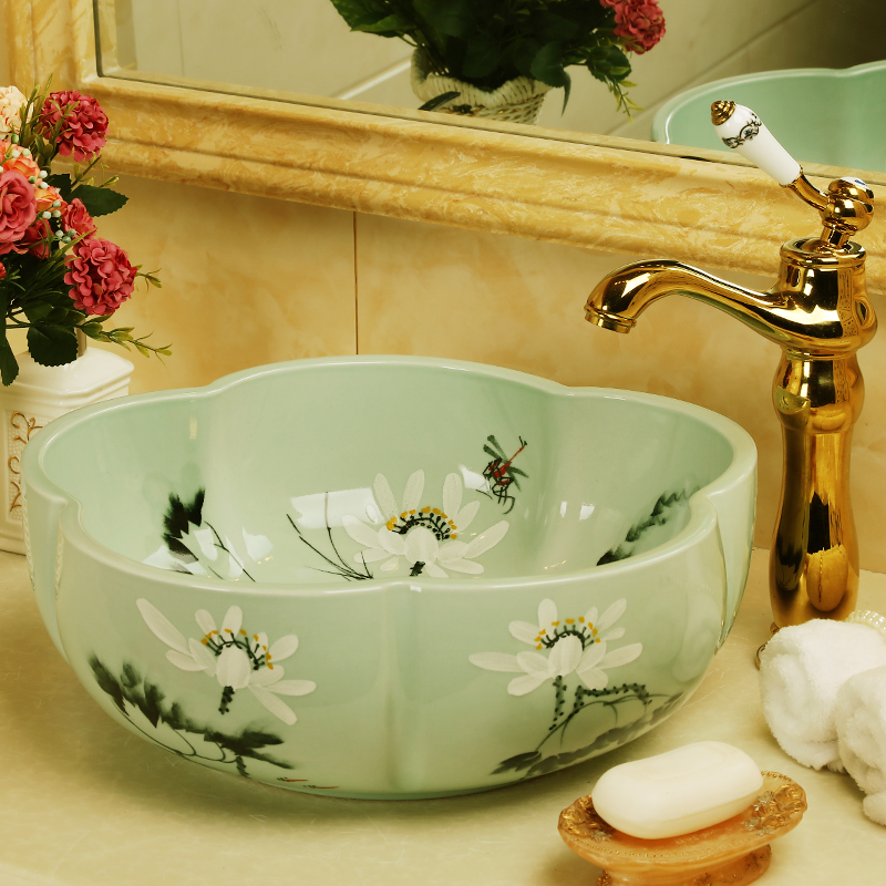 Europe Vintage Style Flower Shaped Ceramics Vanity Basin