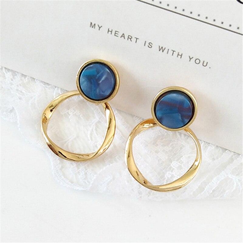 2019 Fashion Twist Resin Earrings Exquisite Girls Retro Metal Earrings For Women Circular Geometric Gold Stud Earrings Wholesale