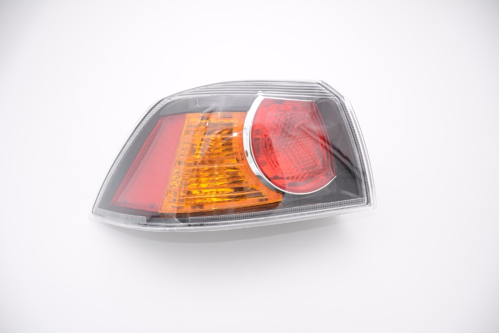 1Pcs Car Styling Left Driver Side Outer Tail Lamp Tail light Rear Lamp Black holder 8330A621 For Mitsubishi LANCER EVO 2006-2012 mzorange1pcs driver side lh 8330a787 tail light taillamp rear lamp light for mitsubishi outlander 2013 2015