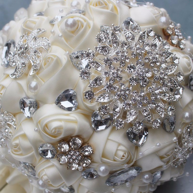 Best-Selling-Price-Ivory-Cream-Brooch-Bouquet-Wedding-Bouquet-de-mariage-Polyester-Wedding-Bouquets-Pearl-Flowers (1)