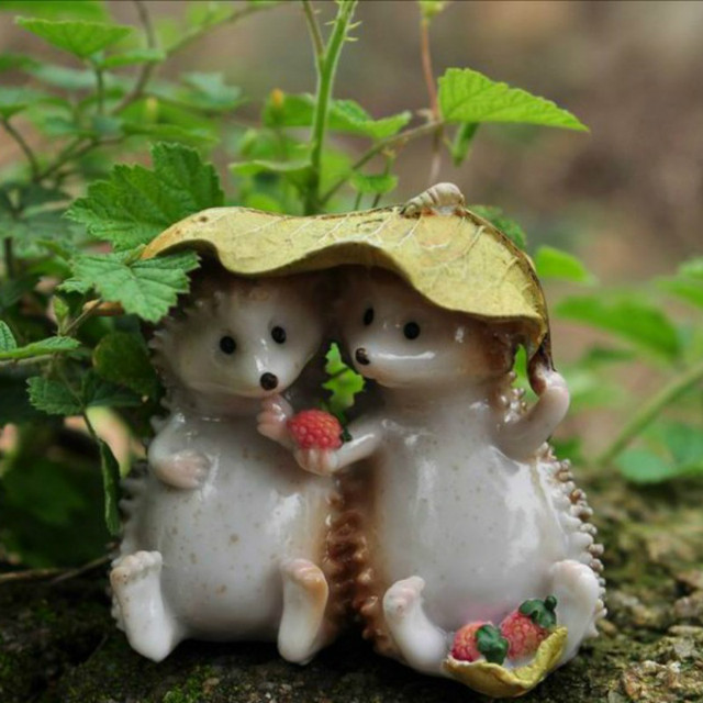 hedgehogs eating strawberryminiatureslovely animalsfairy garden gnometerrarium decoration - Garden Animals