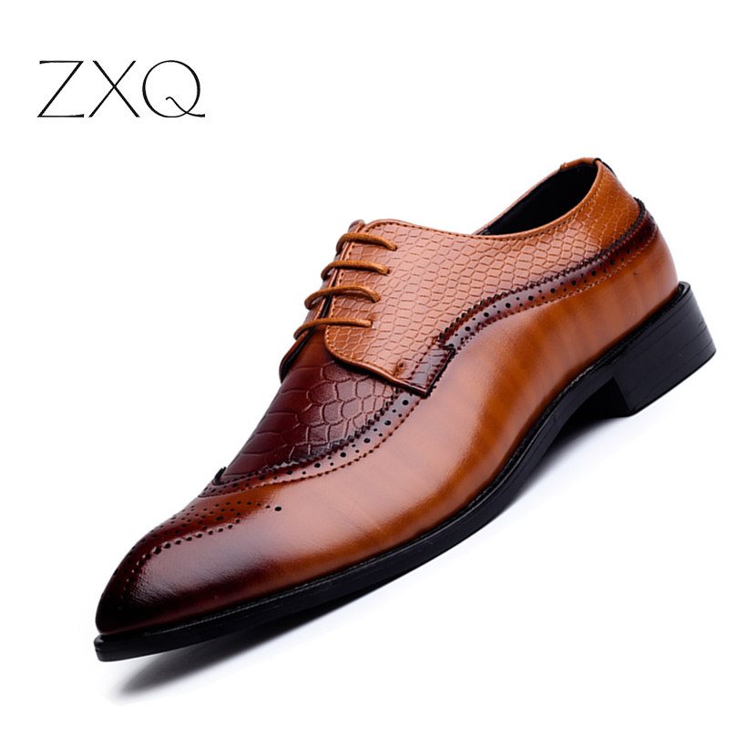 ZXQ New Arrival British Style Men Classic Business Formal Shoes Pointed Toe Retro Bullock Design Men Oxford Dress Shoes zxq brand handmade new winter men oxford shoes solid color high quality retro british style men flats leather shoes