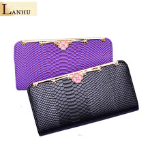 2018 Retro Style Long Ladies Clutch Wallets Crocodile Pattern PU Leather Hand Bag Solid Color Wallet Mobile Phone Bag Money Clip(China)