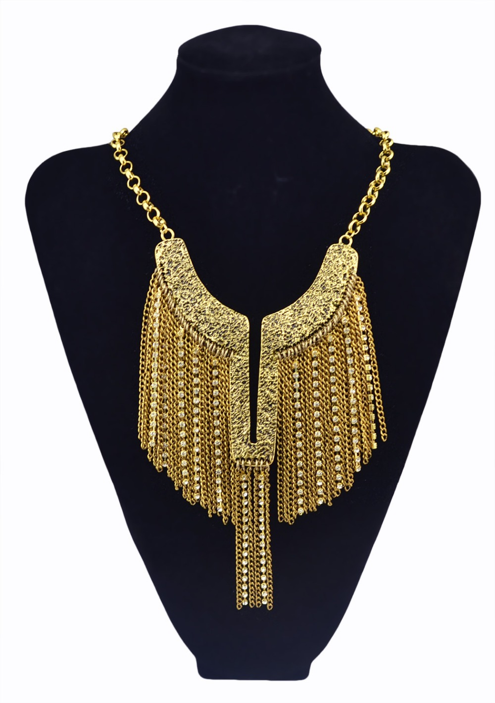 3cc1e789bac4 Nueva moda estilo europeo de plata de oro ángulo ala forma cristalina del  metal de la borla del babero del ahogador del collar del encanto