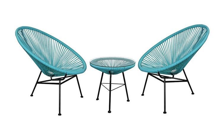 A round coffee table made of iron cane. Outdoor recreation. Modern simple Angle