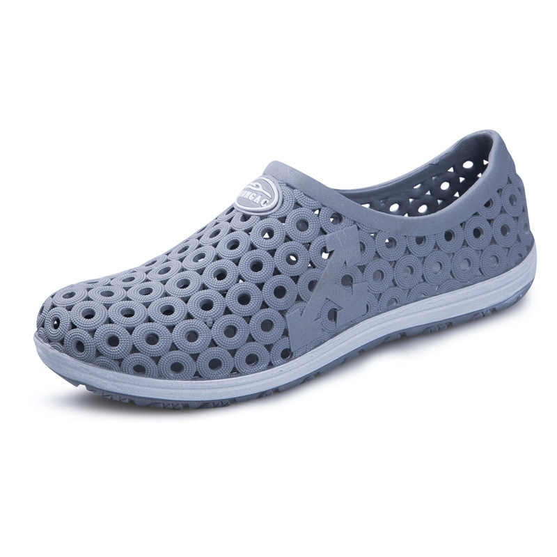 a87c07025 ... MAISMODA Summer Men Fashion Flats Hollow Out Hole Beach Breathable  Sandals Light Casual Beach Shoes Soft ...