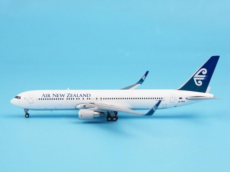 цена  JC 1:400 LH4037 New Zealand Airlines B767-300ER ZK-NCG Alloy aircraft model Collection model Holiday gift  онлайн в 2017 году