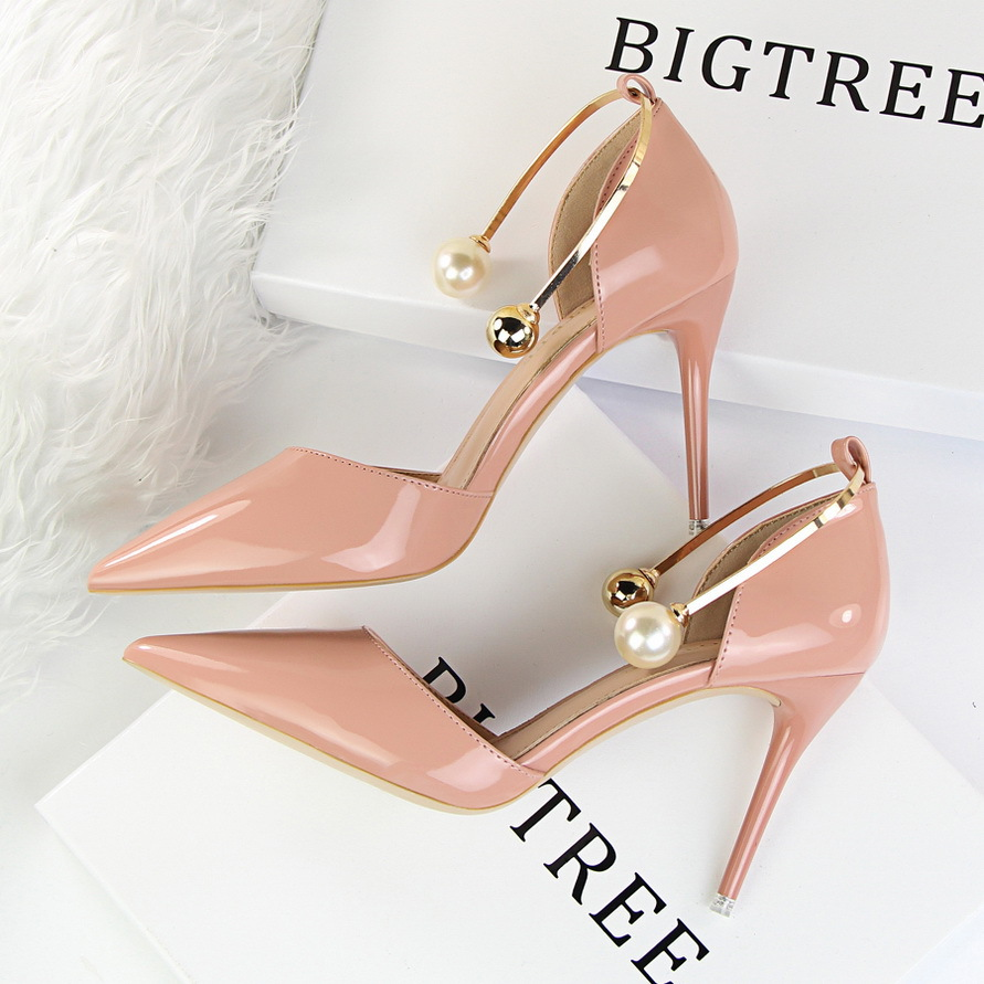 New Women Summer Elegant Pumps Thin Heels Patent Leather Shallow Pointed Sweet Pearl Sandals Metal High Heels Shoes G923-13