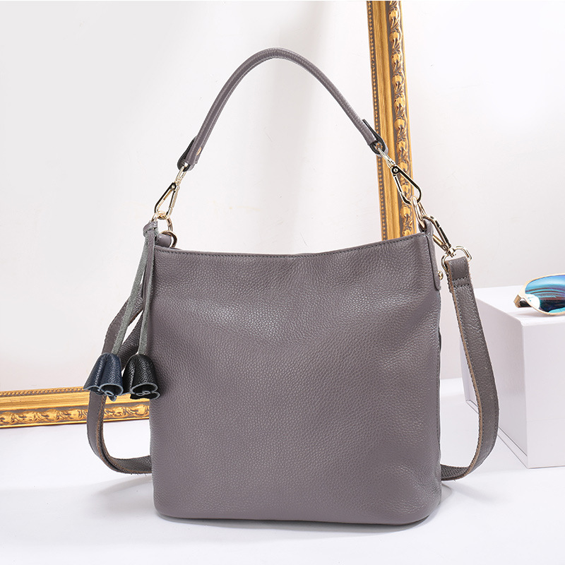 a585fe6746f6 100% Genuine Leather Small Women s Shoulder Bags Female Small Handbag Ladies   Cross Body Messenger