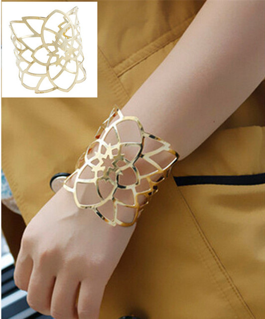 Fashion New Gold Plated Wide Hollow Flower Cuff Bangles For Women Statement Jewelry Punk Charm Metal Opening Bangle Bracelets
